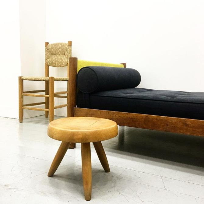 actuellement disponible jean baptiste bouvier. Black Bedroom Furniture Sets. Home Design Ideas